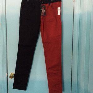 🖤❤️ NWT Low-Rise Split Color Jeans ❤️🖤